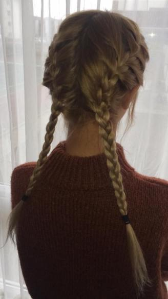 CHILDLIKE: I opted for scalp plaits for the zoo to keep my hair off my face!